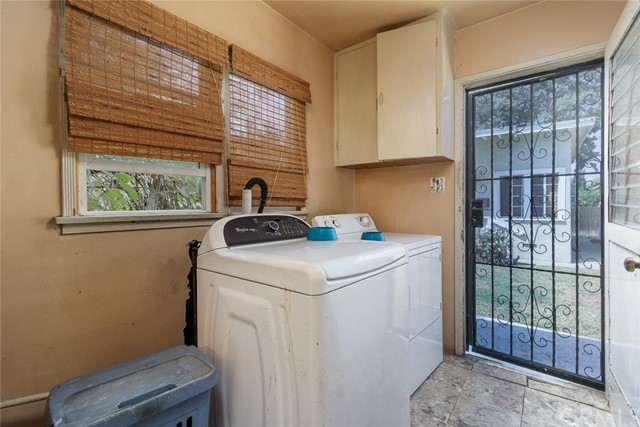 20609 Alburtis Avenue, Lakewood CA: http://media.crmls.org/medias/f34afb8e-c07a-46b3-960c-54cb0ceae00b.jpg