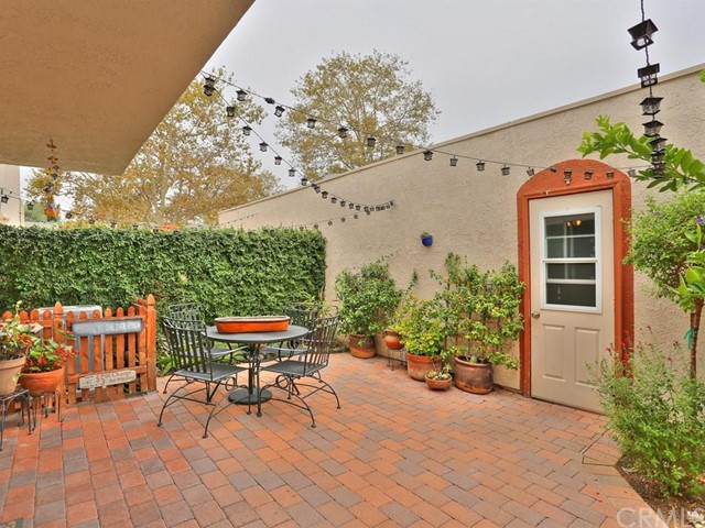 Townhouse for Sale at 1662 Gatewood St Brea, California 92821 United States