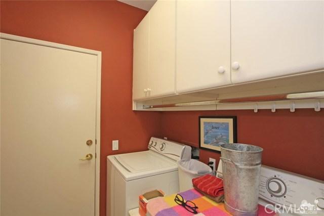 78936 Spirito Court, Palm Desert CA: http://media.crmls.org/medias/f357dcbf-6b95-4114-993a-a3181ce55405.jpg