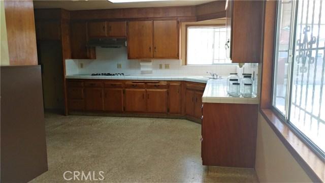 9322 Tweedy Lane, Downey CA: http://media.crmls.org/medias/f364084c-8193-4793-a58c-5dd3ae24710f.jpg