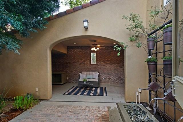 61 Windchime, Irvine CA: http://media.crmls.org/medias/f3741d56-0266-431c-91cc-6a330c25d303.jpg