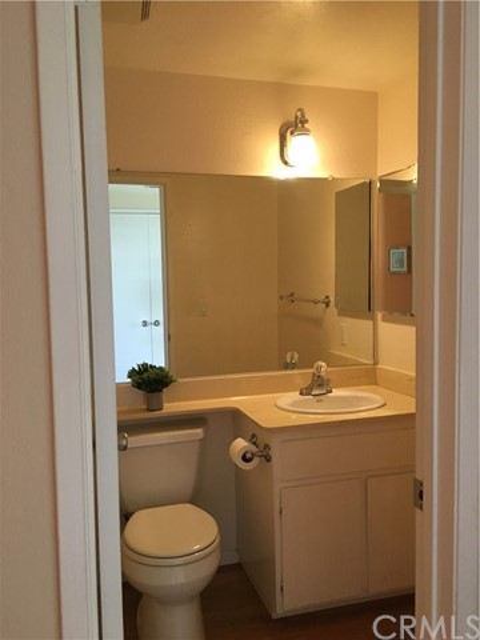 10512 S Jenny Lane, Garden Grove CA: http://media.crmls.org/medias/f37b7ee1-7b97-4ca1-a4be-055446424e47.jpg