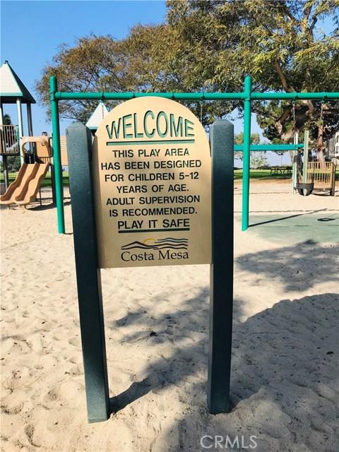 2277 Pacific Avenue, Costa Mesa CA: http://media.crmls.org/medias/f37cd9a1-5f57-4a9a-bb9d-45f618259708.jpg