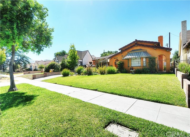 1507 9th Street, Alhambra, California 91803, 2 Bedrooms Bedrooms, ,1 BathroomBathrooms,Residential,For Rent,9th,RS19092344
