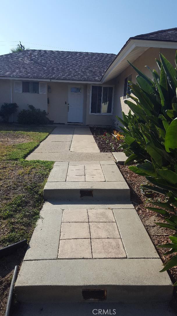 24095 Gemwood Drive, Lake Forest CA: http://media.crmls.org/medias/f37ed224-138a-45d8-8475-47f86b9294d3.jpg