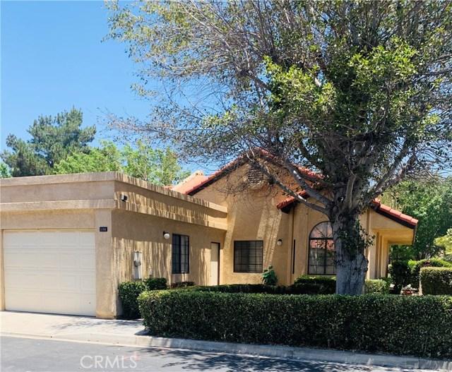 11591 Ash Street, Apple Valley CA: http://media.crmls.org/medias/f3810769-be26-4928-a7c4-e900e0533c9e.jpg