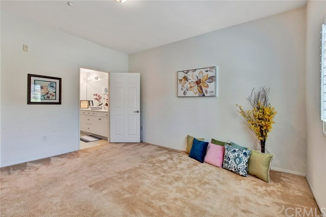 17772 Independence Lane, Fountain Valley CA: http://media.crmls.org/medias/f384d276-869a-4dbe-84bf-d9cc5a21bf39.jpg