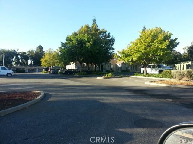 1260 East Avenue, Chico CA: http://media.crmls.org/medias/f3875846-5a9e-4b20-8e90-6654e4117b37.jpg
