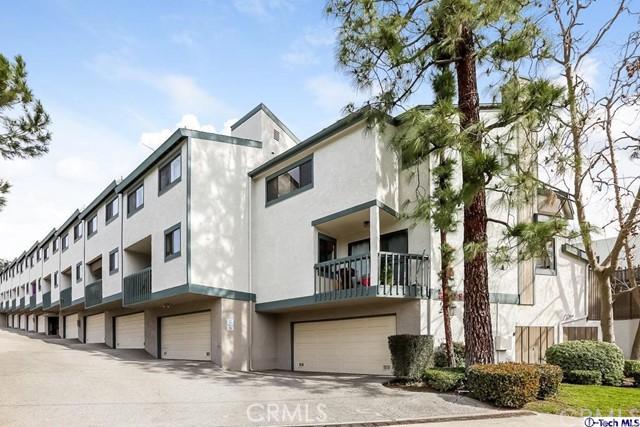 2809 Montrose Avenue, Glendale CA: http://media.crmls.org/medias/f3b753c0-2f82-47c0-a905-df485282102f.jpg