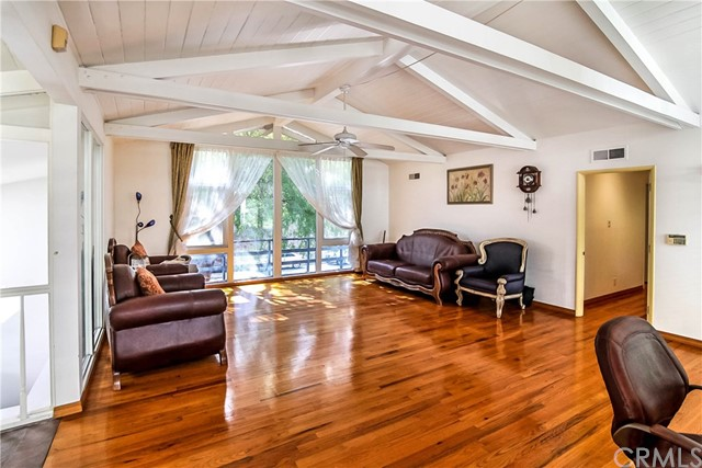 2749 Chevy Chase Drive Glendale, CA 91206 - MLS #: DW17200507