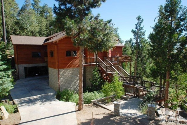 Single Family Home for Sale at 23101 Oak Leaf Lane Idyllwild, California 92549 United States