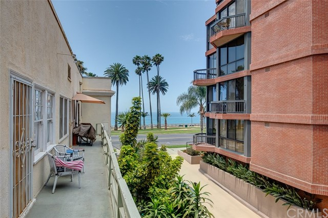 1045 Ocean Ave, Santa Monica, CA 90403 photo 7