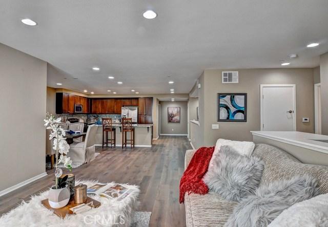563 Rockefeller, Irvine, CA 92612 Photo 4
