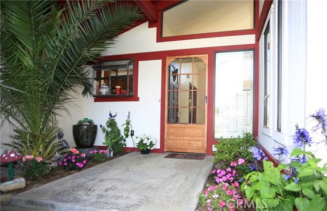 972 Crestmont Court, Santa Maria CA: http://media.crmls.org/medias/f3d8e7c8-bde6-47e1-a3ab-345491b2bf55.jpg