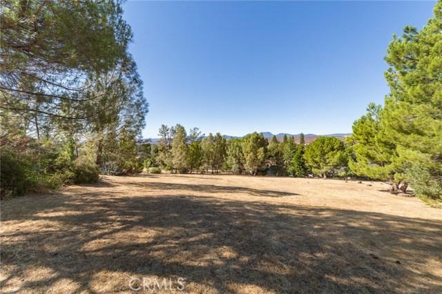16569 Hacienda Court, Hidden Valley Lake CA: http://media.crmls.org/medias/f3e414d8-a2d6-45c4-8e78-2be4a6ebad38.jpg