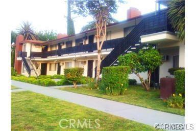 501 W 34th Street, San Bernardino CA: http://media.crmls.org/medias/f3f4d1d0-e529-423d-80fa-06f571cd7bf5.jpg