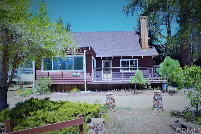 Single Family Home for Rent at 1033 North Shore Drive W Big Bear, California 92314 United States