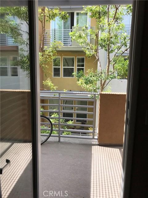450 E Jeanette Lane, Santa Ana CA: http://media.crmls.org/medias/f3fc1fc8-fd73-40ba-86ba-776c0e08d73a.jpg