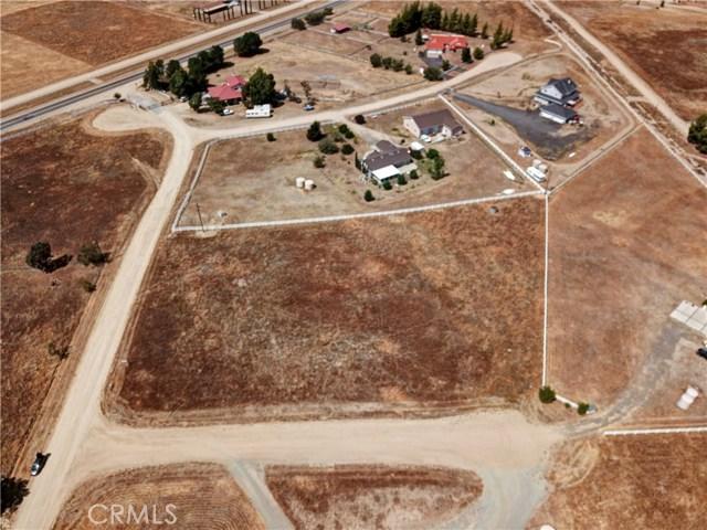 448 Comanche, Aguanga CA: http://media.crmls.org/medias/f4020e50-6de2-4687-9443-ed45dcd53786.jpg