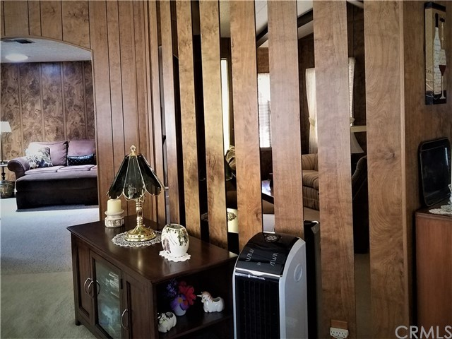 7501 Palm, Yucca Valley CA: http://media.crmls.org/medias/f404def8-eaf1-4279-b770-afbc51f0b14b.jpg