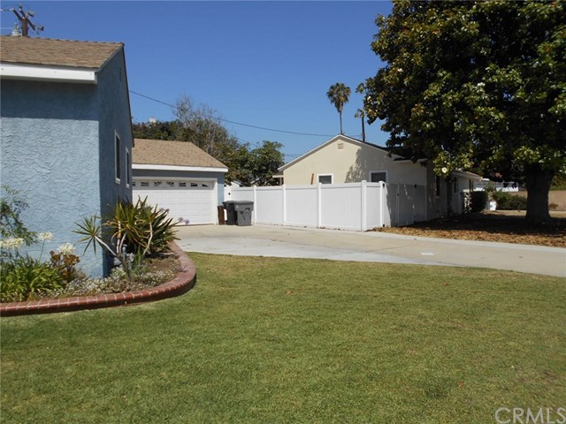 23115 Huber Avenue, Torrance CA: http://media.crmls.org/medias/f406cff0-69d0-4a0d-850b-fd3539857610.jpg