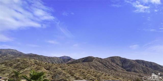 8322 Summit, Desert Hot Springs CA: http://media.crmls.org/medias/f40b5254-1f43-4e24-9377-061be613e847.jpg