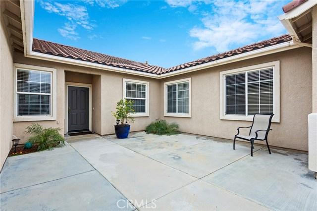 40232 Saddlebrook Street, Murrieta CA: http://media.crmls.org/medias/f40e33cf-5faa-4579-81ee-f55e0351de27.jpg