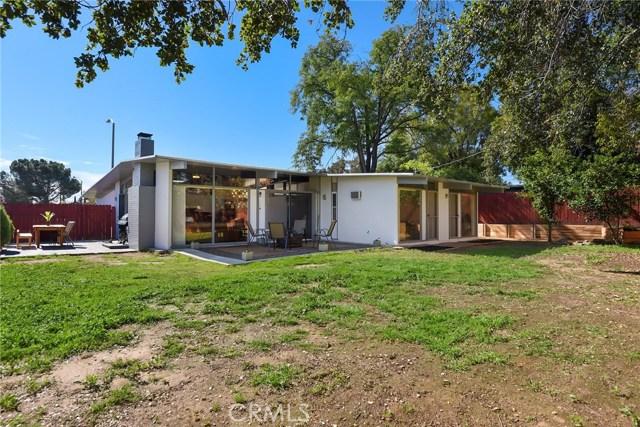 5989 Grand Avenue, Riverside CA: http://media.crmls.org/medias/f40e5be4-c277-468f-96dd-3840fe068d5d.jpg