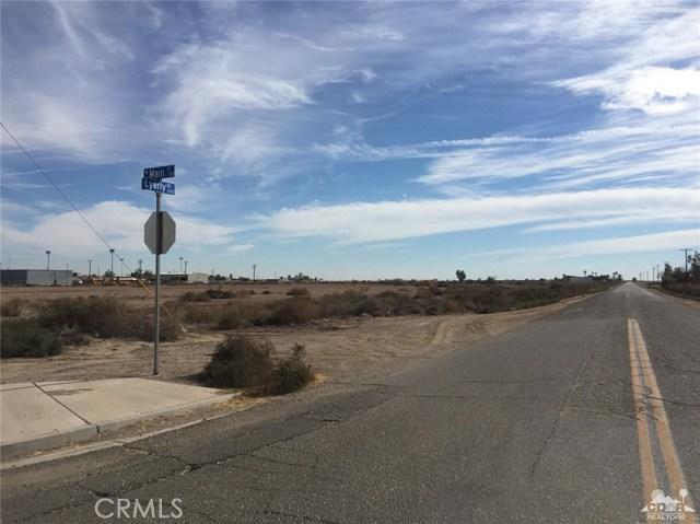 701 W Main Street, Calipatria CA: http://media.crmls.org/medias/f4113ccf-ca2c-46db-95cc-e6ebec6fb5ee.jpg