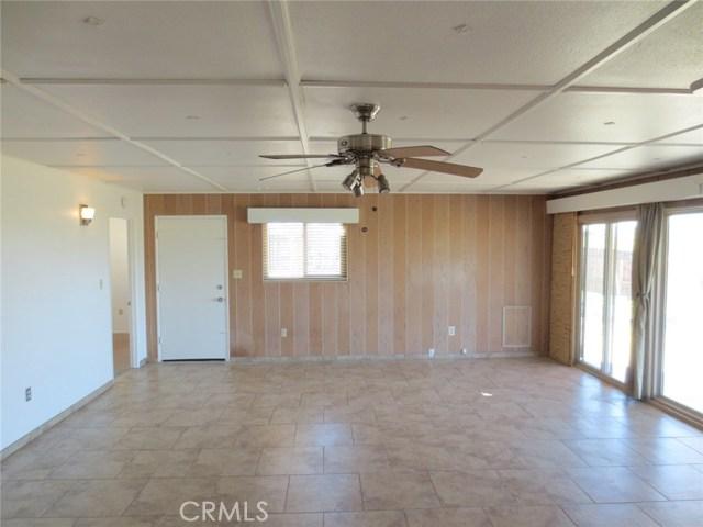 59510 Sunflower Drive, Yucca Valley CA: http://media.crmls.org/medias/f415694a-4b8c-41f7-9f8c-368b05005b23.jpg