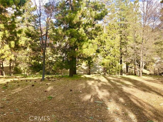 1027 Fawnskin Drive, Fawnskin CA: http://media.crmls.org/medias/f4194043-ccc5-474b-9ad0-7b4e364d011b.jpg