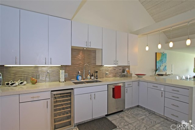 34868 Mission Hills Drive, Rancho Mirage CA: http://media.crmls.org/medias/f422dfa0-6234-41e5-bb52-4562df0eb661.jpg