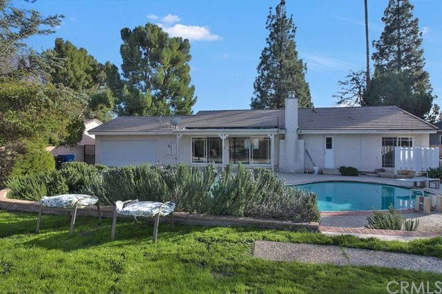 18209 San Fernando Mission Boulev Northridge, CA 91326 is listed for sale as MLS Listing OC17004834