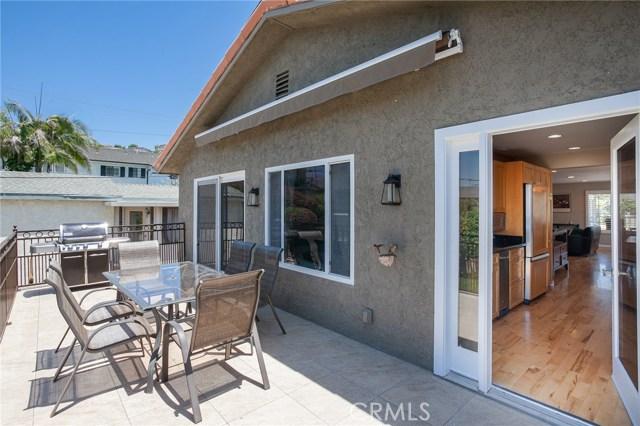 2077 Raymond Avenue, Signal Hill CA: http://media.crmls.org/medias/f42b55fb-6687-4a25-98c7-441bfe4bdf45.jpg
