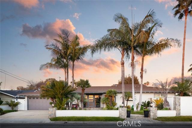 Photo of 496 Walnut Place, Costa Mesa, CA 92627