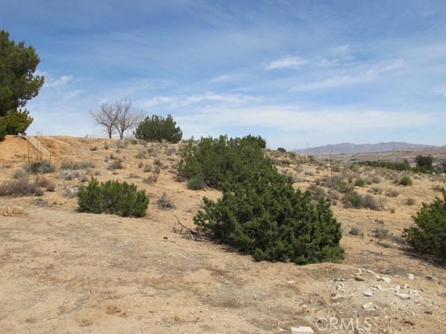 1 Niles Drive, Hesperia CA: http://media.crmls.org/medias/f43474f1-d5ce-401a-a6d8-efb5bec02caf.jpg