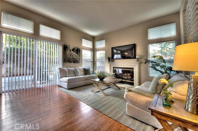 Single Family Home for Sale at 2570 Davis St Tustin, California 92782 United States