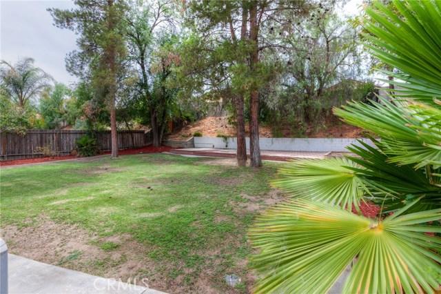 39645 Wild Flower Drive, Murrieta CA: http://media.crmls.org/medias/f43d8c10-55c9-485f-9f9e-692affeafc74.jpg