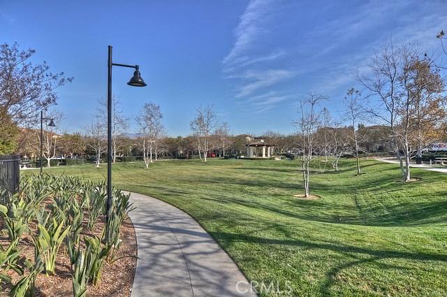 55 Canopy, Irvine CA: http://media.crmls.org/medias/f43e8d6f-f652-40b1-9acf-fbaa6978d321.jpg