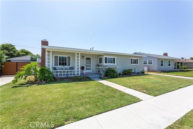 2850 Foreman Avenue, Long Beach CA: http://media.crmls.org/medias/f43f43dc-b072-4b4f-935f-b4cfc2182ca2.jpg