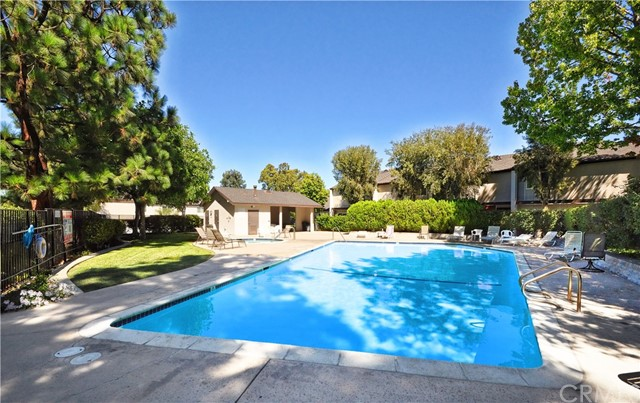 1733 Kingsdown Court, Rancho Palos Verdes CA: http://media.crmls.org/medias/f446a832-acbf-43ea-8fe2-caef131159e9.jpg
