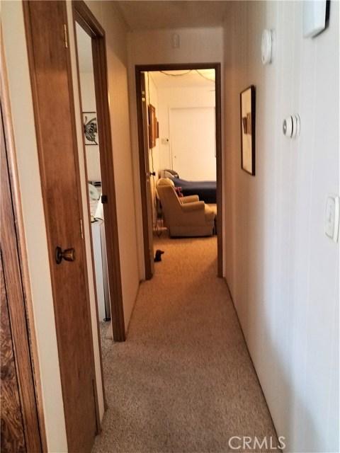 7501 Palm, Yucca Valley CA: http://media.crmls.org/medias/f44f528e-1e58-4a09-a354-60dfe7e9b352.jpg