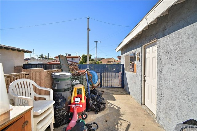 808 Rio Del Sol Avenue, Montebello CA: http://media.crmls.org/medias/f4562923-e447-4533-a6da-18be62c80c90.jpg