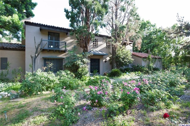 Single Family Home for Rent at 1918 Braeburn Road E Altadena, California 91001 United States