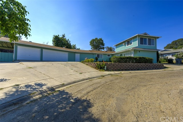 655 14th Street, Lakeport CA: http://media.crmls.org/medias/f4739bcb-0f9a-4a19-9fe1-833cd6dd7dc9.jpg