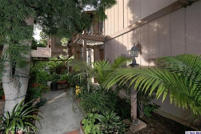 Condominium for Sale at 5 Northwoods Lane Glendale, California 91214 United States
