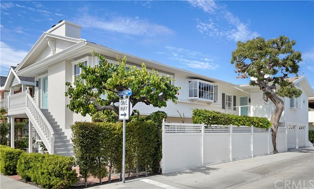 106 Abalone Avenue Newport Beach, CA 92662