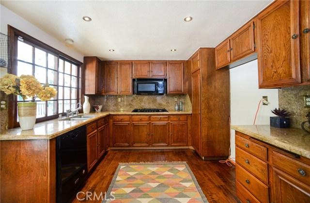 19431 Twin Hills Place, Porter Ranch CA: http://media.crmls.org/medias/f4983bf1-1456-4e65-8ec3-2452562890f8.jpg