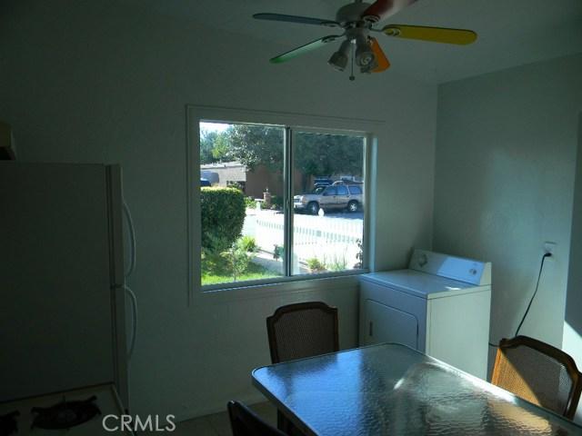 7771 Newman Avenue, Huntington Beach CA: http://media.crmls.org/medias/f4a549f4-812f-44af-b463-f5c79f1169c8.jpg