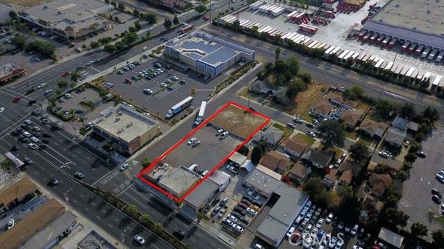 8740 Firestone Boulevard, Downey CA: http://media.crmls.org/medias/f4b82d7b-88b0-40d3-aacf-a3585a7e59bc.jpg